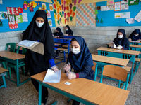 وضعیت معلمان و دانش آموزان در امتحانات نهایی +عکس