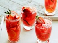 بهترین نوشیدنیها برای کاهش سرعت پیری