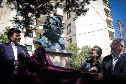 رونمایی از تابلو نام خیابان و سردیس استاد عزتالله انتظامی +تصاویر