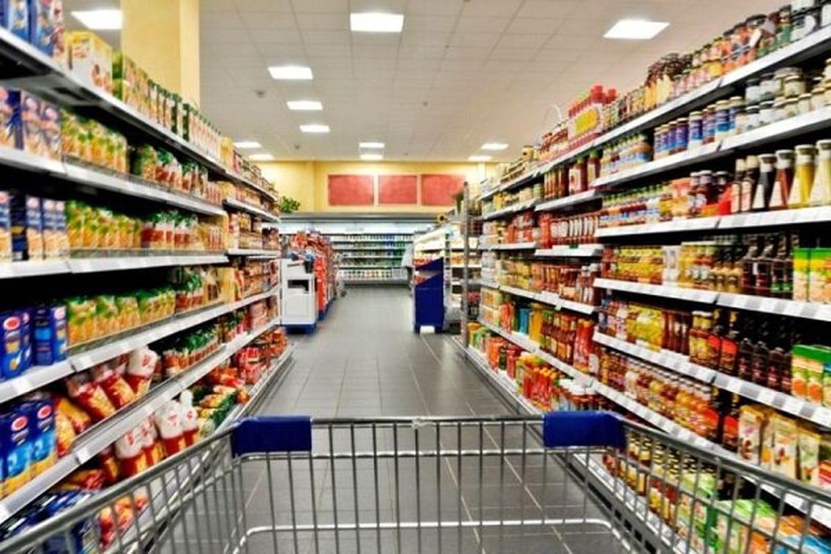 بازار کالاهای اساسی در تلاطم / سیاحت سبدهای خالی در فروشگاه های زنجیره ای
