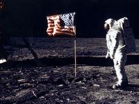 ویدیویی از نخستین سفر انسان به کره ماه