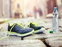 اگر کمر درد دارید کفشتان را عوض کنید