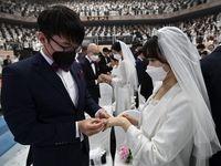 عروسی زیر سایه کرونا! +عکس