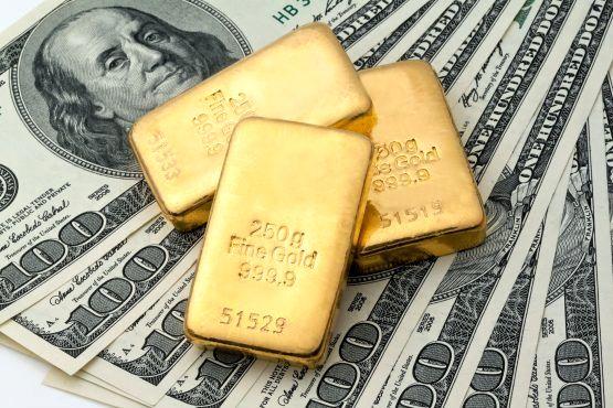 حرکت معکوس دلار و طلا در بازارهای جهانی