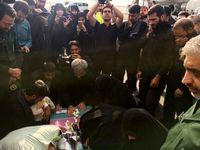 پیکر شهید حججی وارد فرودگاه مشهد شد +عکس