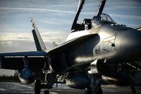 فیگارو: جنگندههای فرانسه منتظر دستور برای حمله به سوریه هستند