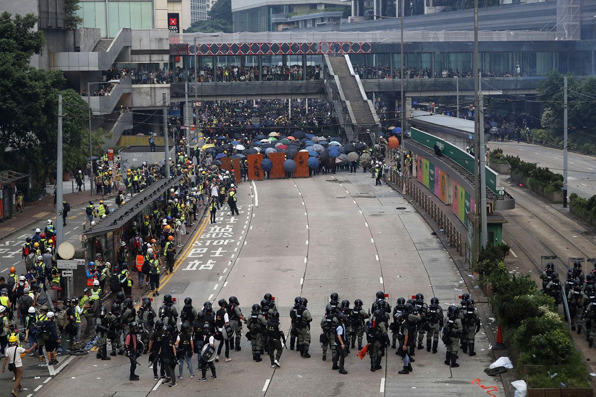 تظاهرات معترضان هنگ کنگ در آستانه روز ملی چین