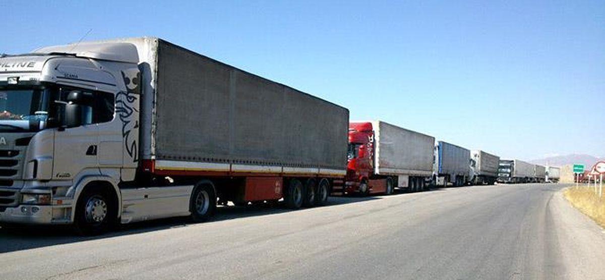 تخلیه بیش از ۲هزار دستگاه کامیون کالای اساسی از بندر امام
