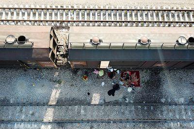 زندگی سیل زدگان خوزستان در قطار