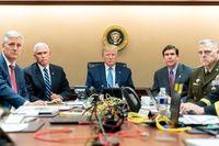 ترامپ در حال تماشای فیلم کُشتن رهبر داعش +عکس