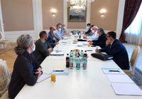 اولیانوف با نماینده ویژه آمریکا در امور ایران دیدار کرد