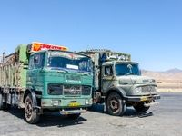 کامیونها سوخت پاکتری میگیرند