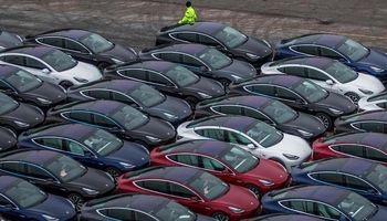 چیرگی تسلا بر بازار خودروهای نروژ/ نصف خودروها الکتریکی است