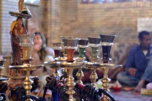 ورود بانوان به قهوهخانهها ممنوع است