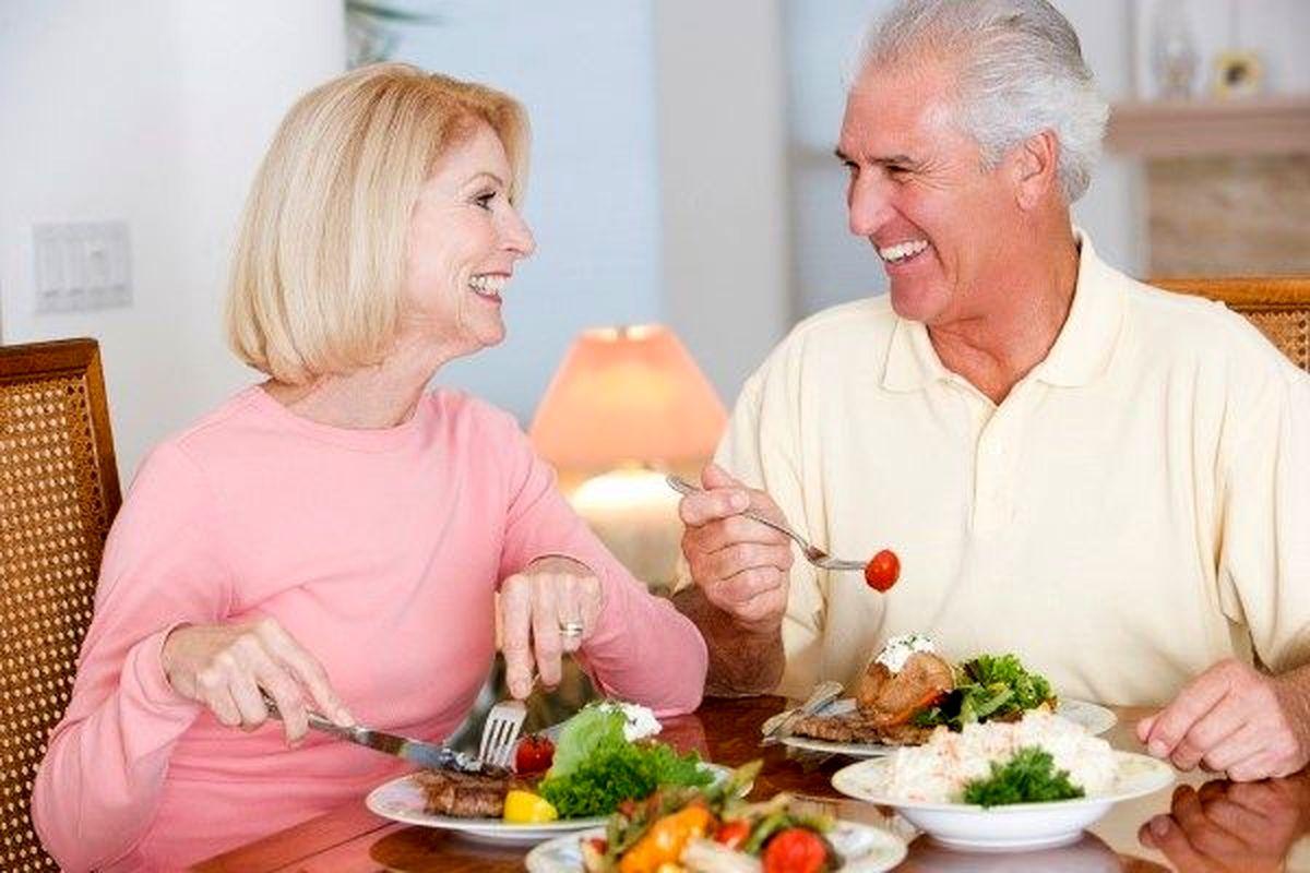 چرا در میانسالی رژیم غذایی برای کاهش وزن جواب نمی دهد؟