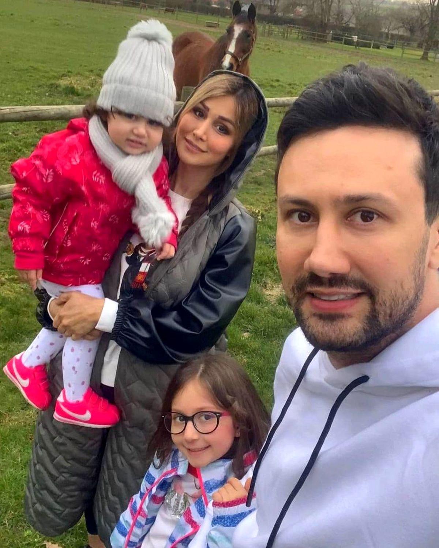 سلفی جدید شاهرخ استخری و همسرش + عکس