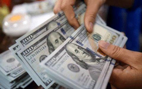 """سرمایهگذاران """"دلار"""" ضرر کردند!"""