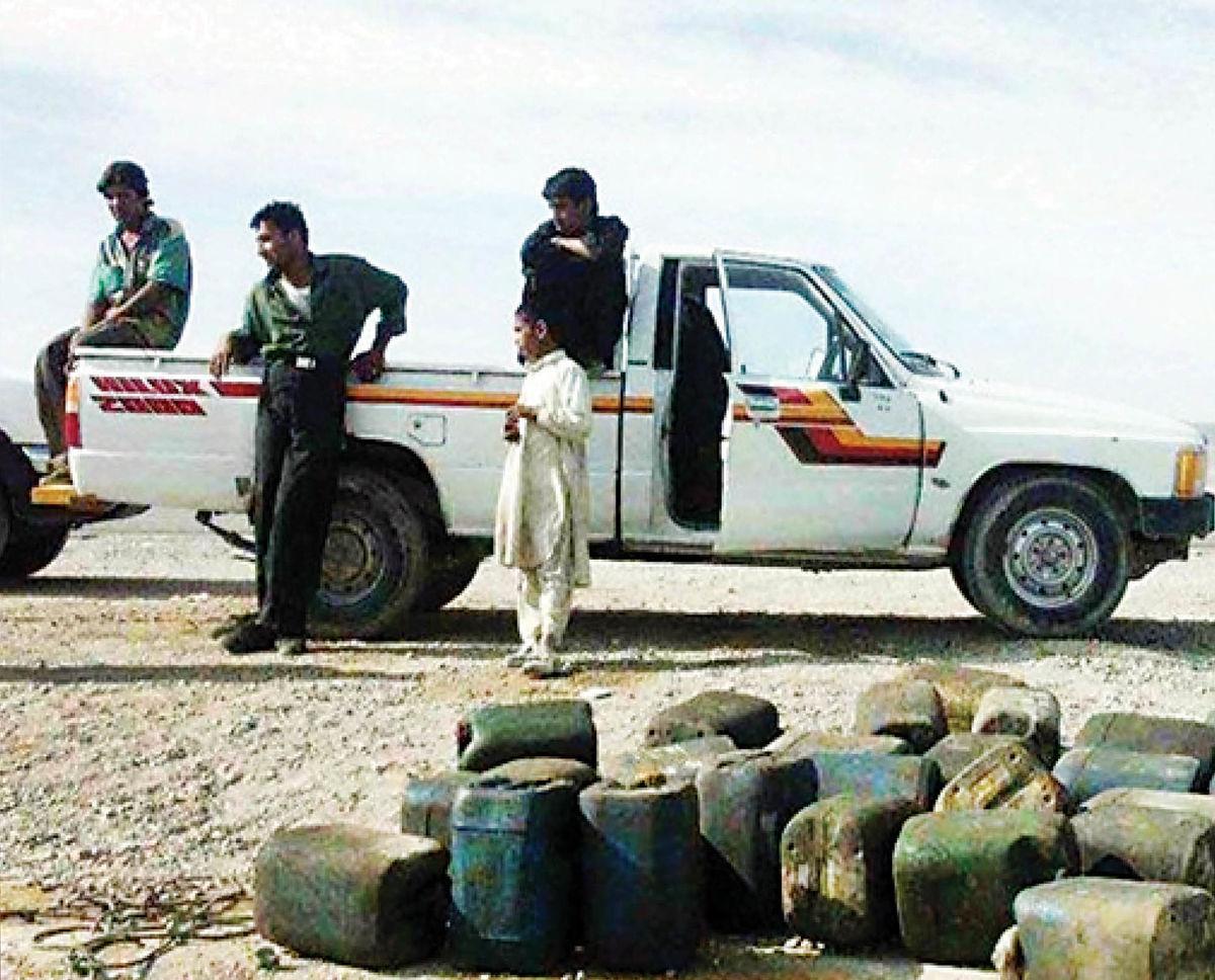 دپوی گازوئیل در خانه روستاییان سراوان
