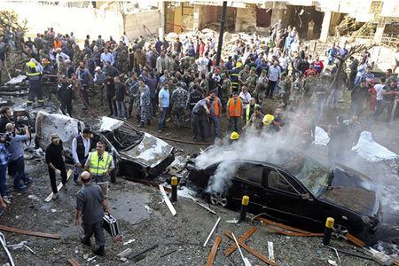 انفجار نزدیک سفارت ایران در بیروت +عکس