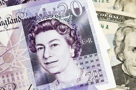 احتمال سقوط ۱۰درصدی ارزش پوند