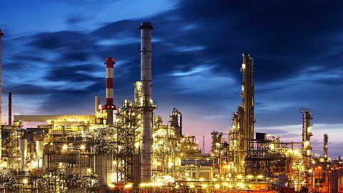 تضعیف بخش خصوصی با سنگ اندازی دولتیها/ پروژههای نفتی را چه کسانی باید تایید کنند؟