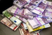 روابط خوب بانکی ایران و اتریش ادامه دارد