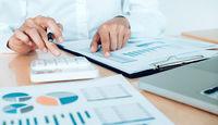 قیمتگذاری دستوری؛ آدرس اشتباه کنترل تورم/ کسری بودجه دلیل اصلی تورم است