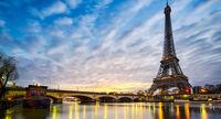 مشهورترین خیابان پاریس در وضعیتی عجیب