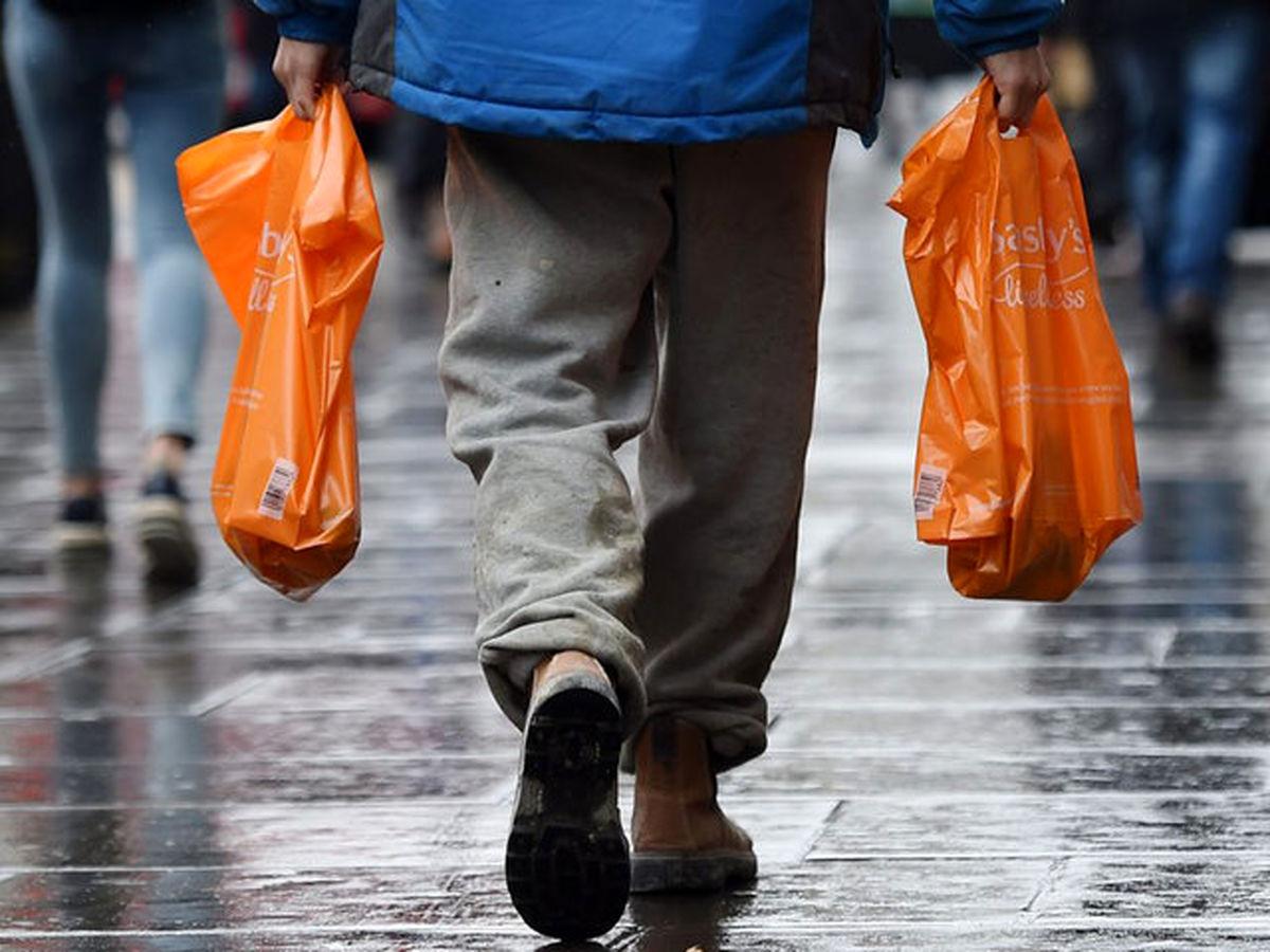 تهرانیها هر روز 600تن پلاستیک دور میریزند