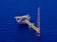 فاصله از بودجه نفتی با مالیات و کاهش یارانه/ افزایش نرخ سوخت اجتناب ناپذیر است