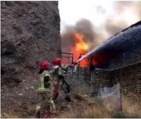 آتش سوزی در شهرک صنعتی جاجرود +فیلم