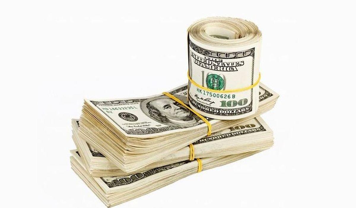 آخرین قیمت دلار و یورو در صرافیهای بانکی/ بازگشت دلار به کانال ۲۴هزار تومان