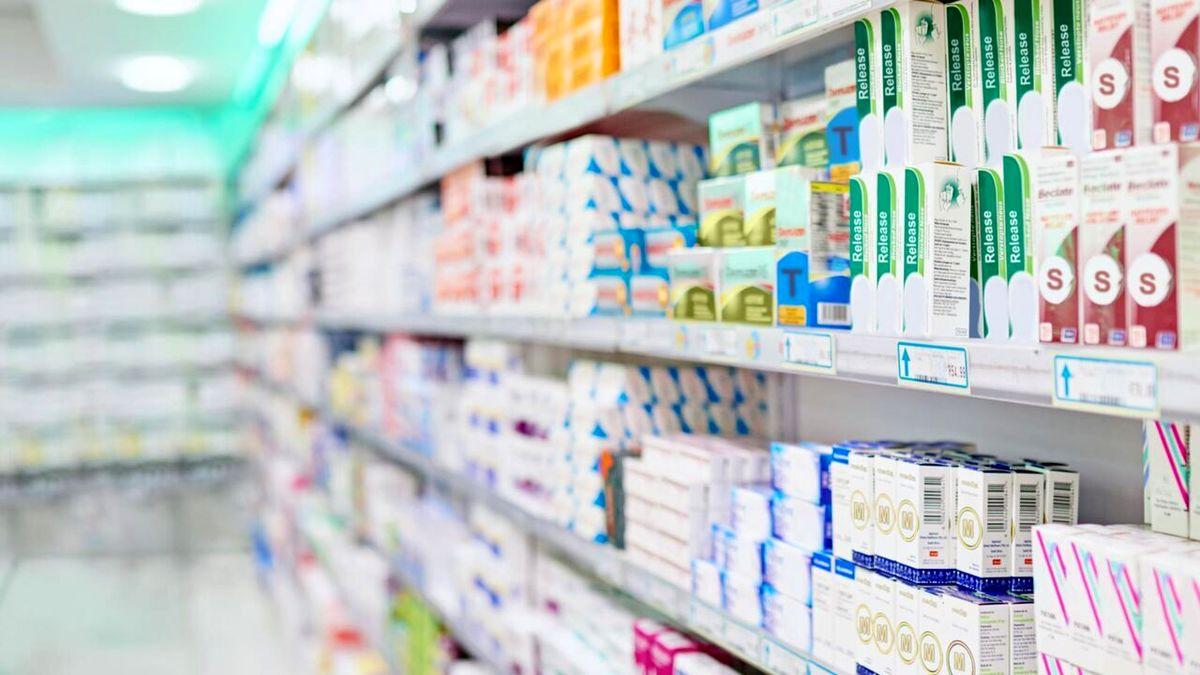 فروکش کردن در آمد داروخانهها در شرایط کرونایی