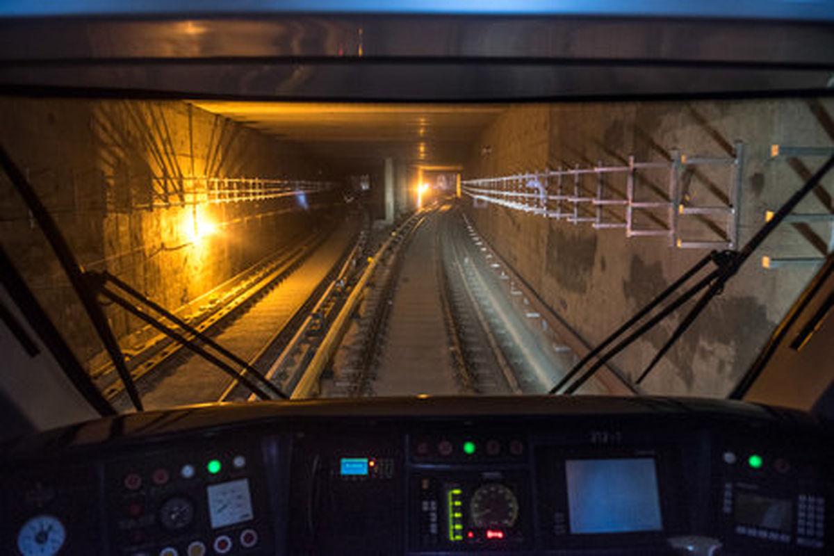 خودکشی ناکام یک زن در مترو میرداماد