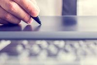 امضای الکترونیک جایگزین مهر پزشکی میشود
