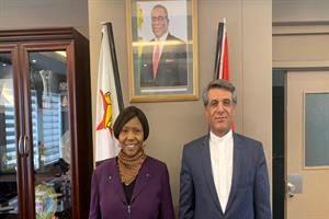 دیدار سفیر جمهوری اسلامی ایران با وزیر دفاع زیمبابوه