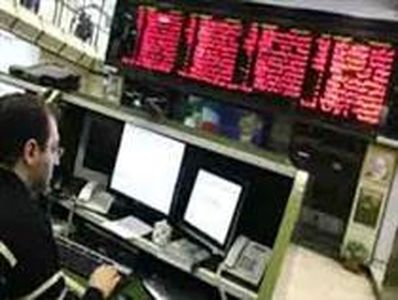 نقدینگی به سمت بازار سهام باز میگردد/ انتظار برای افزایش سودآوری شرکتها