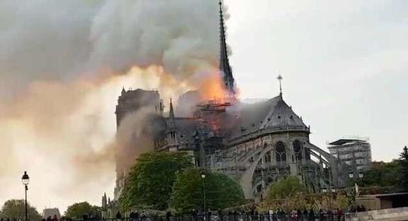 کلیسای قدیمی نوتردام پاریس در آتش سوخت +عکس