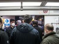 جلوگیری از ورود افراد فاقد ماسک به مترو از شنبه
