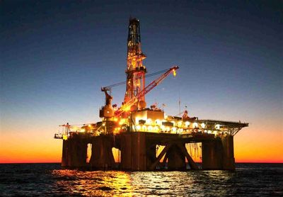 برقراری توازن در بازار نفت نیازمند زمان است