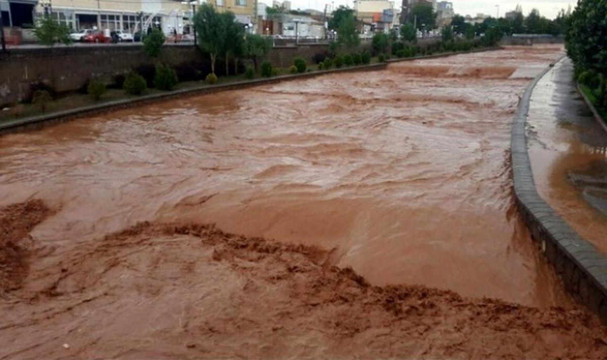 ۱۳محور ارتباطی در سیستان و بلوچستان براثر سیلاب بسته شد