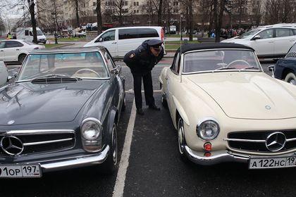 رالی خودروهای کلاسیک در مسکو +تصاویر