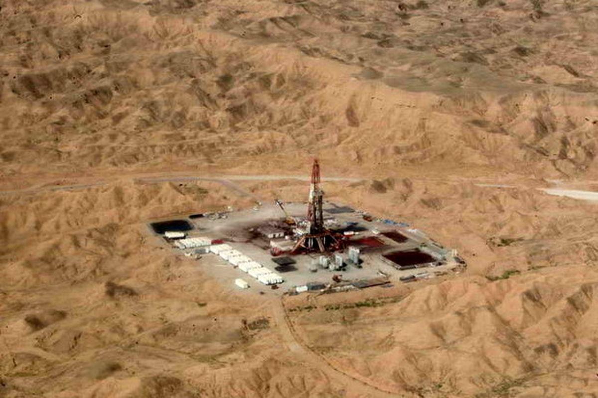 استخراج ۱۵ هزار بشکه نفتخام از میدان نفتی مشترک با عراق