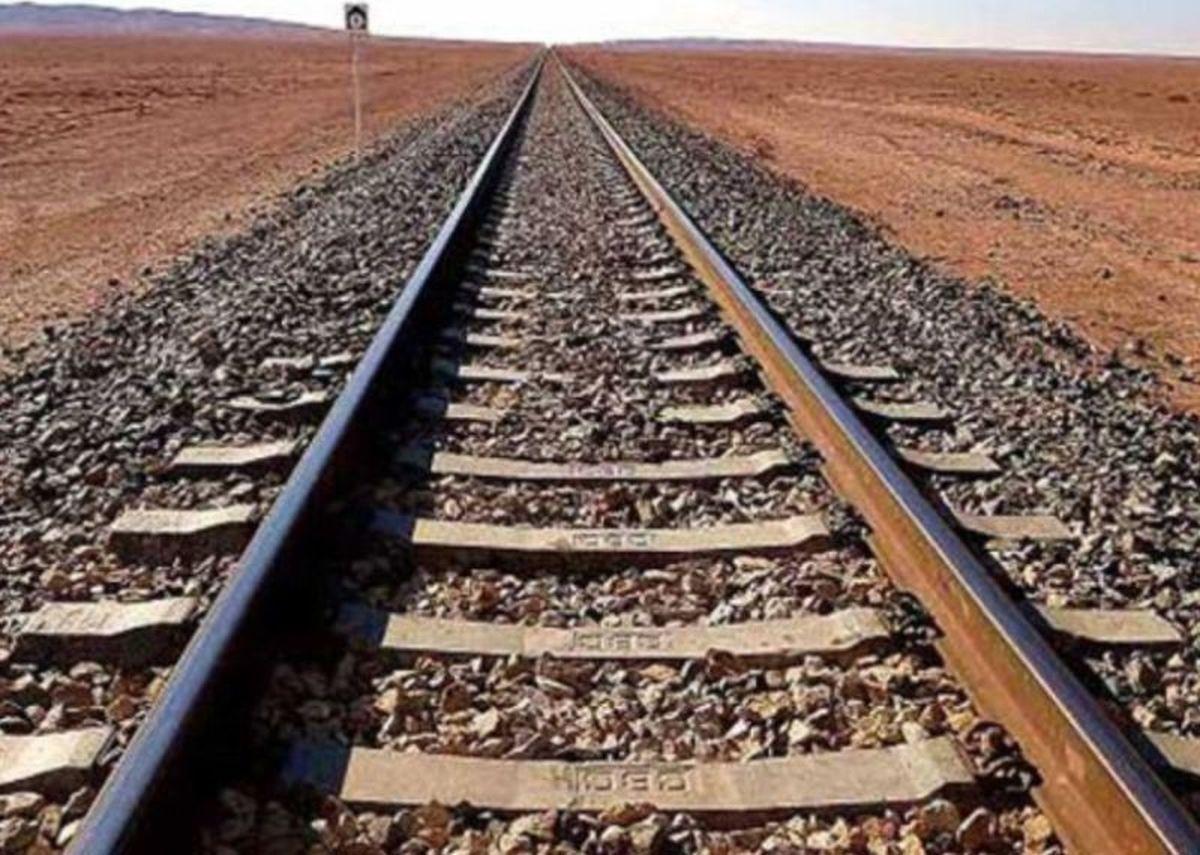 سیل سه واگن یک رام قطار باری در سمنان را از ریل خارج کرد