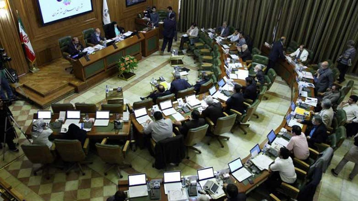 انتقاد جدی۷ عضو شورا به کمکاری حناچی برای بازپسگیری املاک در اختیار غیر شهرداری/ تعلل شهرداری در ارسال لایحه اصلاح ساختار