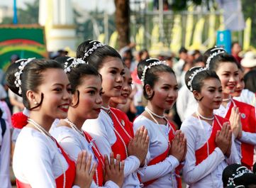 جشن سال نو به سبک مردم میانمار