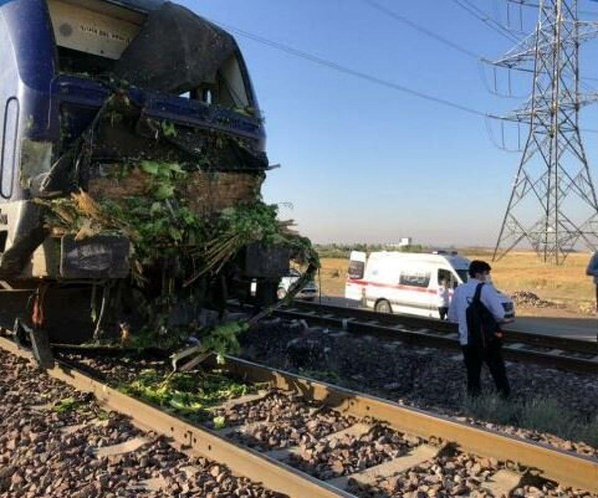 تصادف قطار با کامیون در قزوین