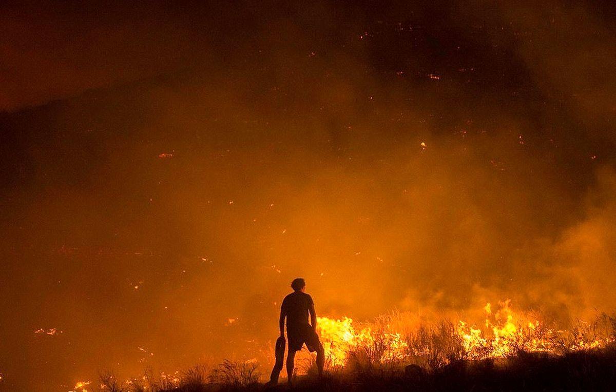 آتش سوزی مجموعه سینمایی در کرج مهار شد