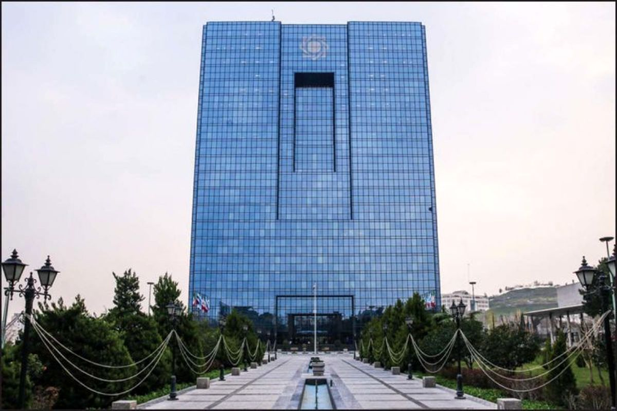 ماجرای اختلاف بانک مرکزی و خودروسازان/ بانک مرکزی: خودروییها پول اضافه میخواهند