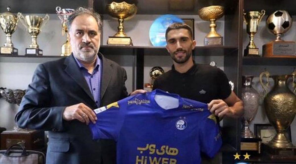 حسینی قراردادش با استقلال را تمدید کرد